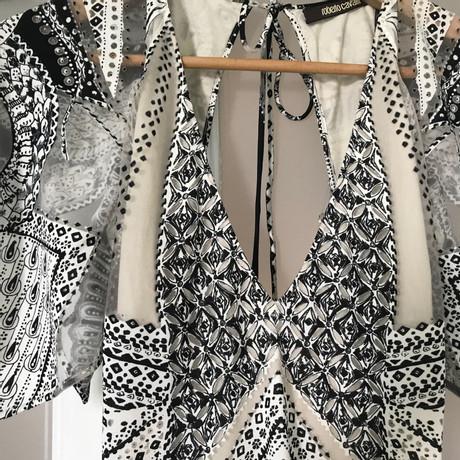 Roberto Cavalli Maxikleid mit Muster Schwarz / Weiß Frei Für Verkauf DCOTIDWo