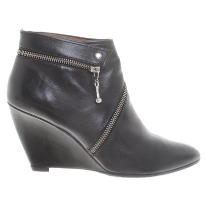 Belle by Sigerson Morrison Ankle boots in black