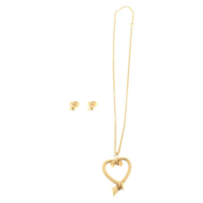 Escada Set of heart motifs