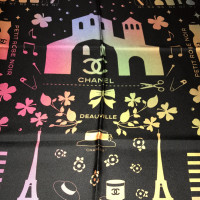 Chanel Foulard en soie avec impression