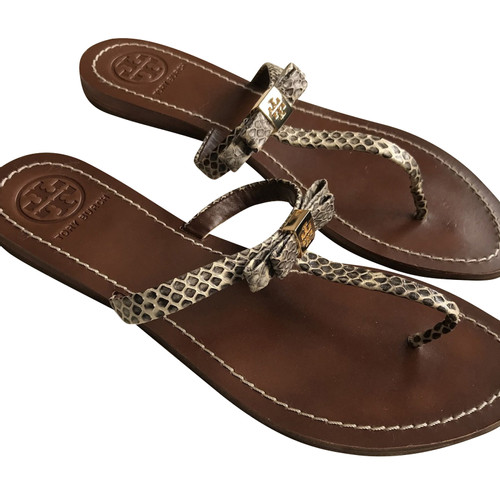 76522839f2fa Tory Burch Sandals Leather in Brown - Second Hand Tory Burch Sandals ...