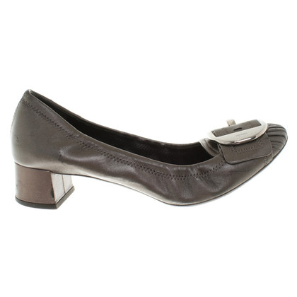 Prada pumps in Gray