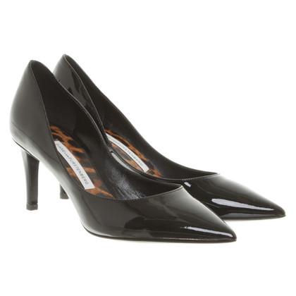 Diane von Furstenberg Patent Leather Pumps in Black