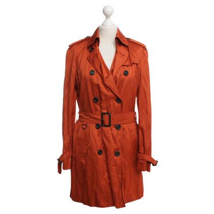 Burberry Trenchcoat in Orange
