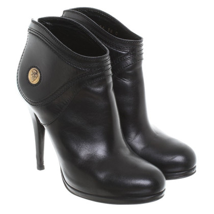 Gucci Leather ankle boots in black