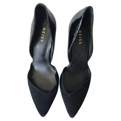 Reiss pumps in black