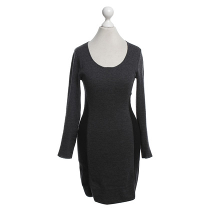 Theory Woolen dress in grey