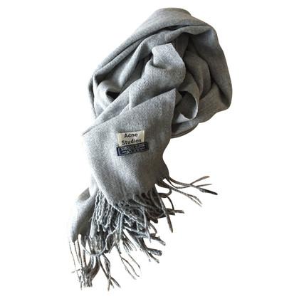 Acne Schal in Grau