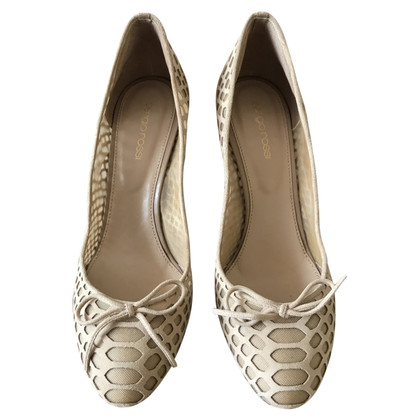 Sergio Rossi pumps made of perforated leather