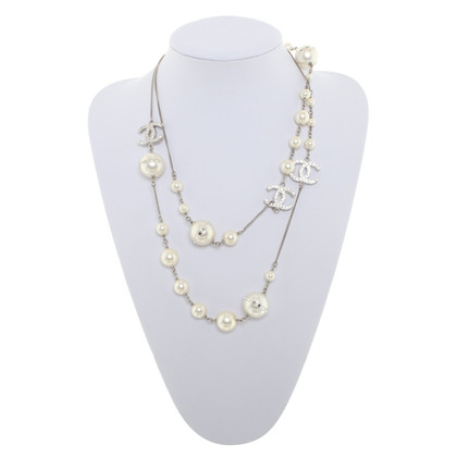 Chanel Long chain with pearl jewelry