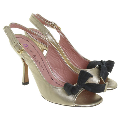 L'autre Chose Gold-colored peep-toes