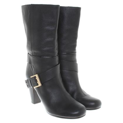 Chloé Laarzen in zwart