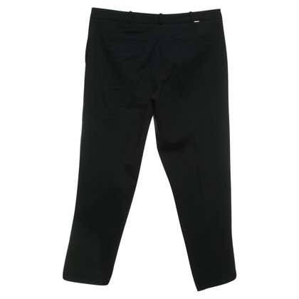 Hugo Boss 3/4 trousers in black
