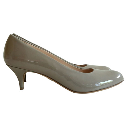 Bally pumps made of gray patent leather