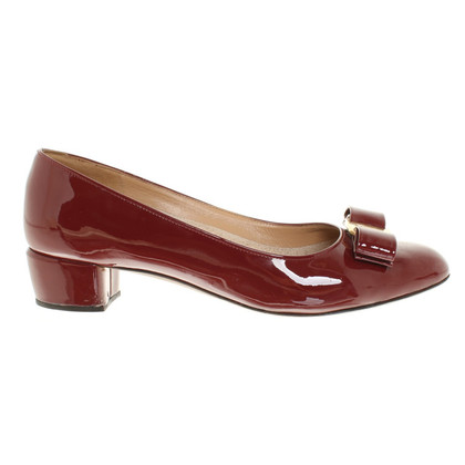 Salvatore Ferragamo Pumps in Bordeaux