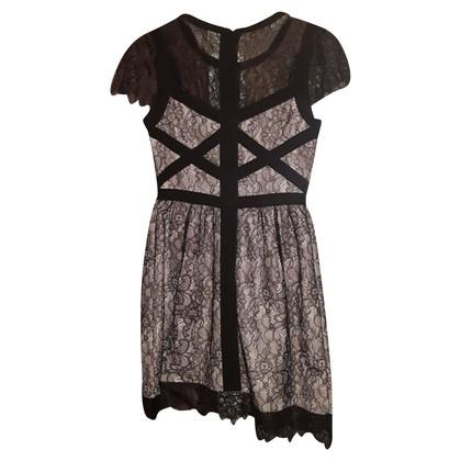 Karen Millen Dress skin color / black Karen Millen