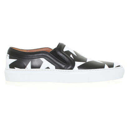 Givenchy Slipper mit Muster