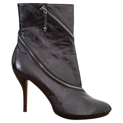 Alexander McQueen Boots with zippers