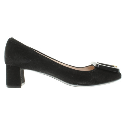 Prada Suede pumps in black