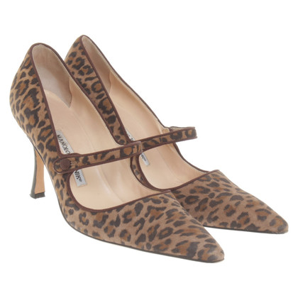 Manolo Blahnik pumps with leopard print
