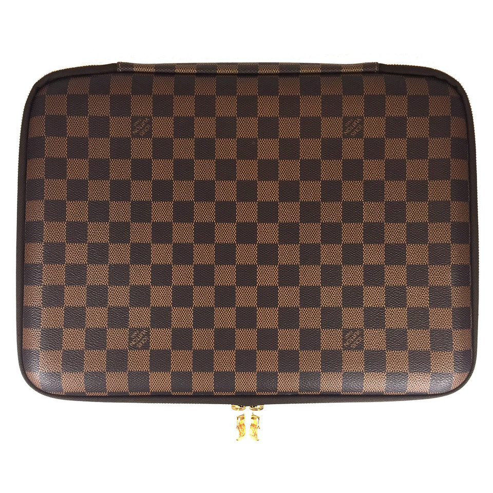 louis vuitton ipad h lle second hand louis vuitton ipad h lle gebraucht kaufen f r 490 00. Black Bedroom Furniture Sets. Home Design Ideas