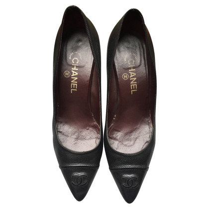 Chanel In pelle nera pumps