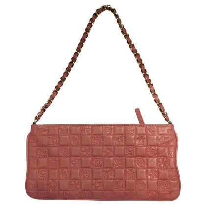 Chanel clutch pink