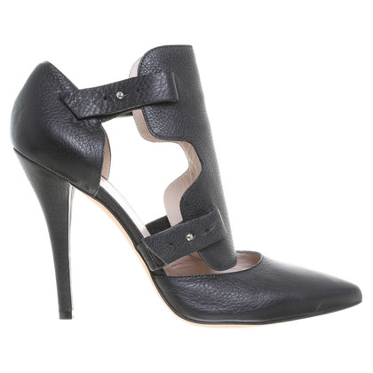 Escada Pumps in the Gladiator look