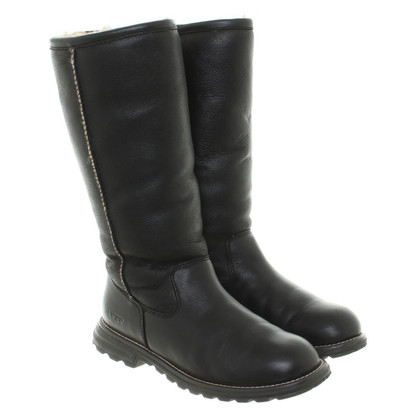 UGG Australia Boots with sheepskin lining