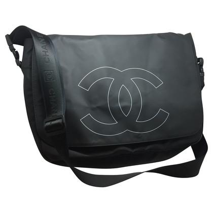 Chanel Messenger bag in black
