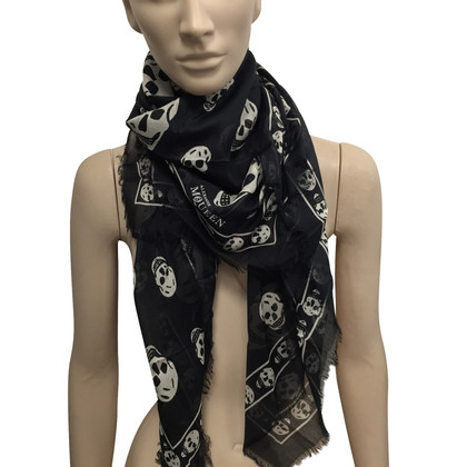 Alexander McQueen Black skull scarf