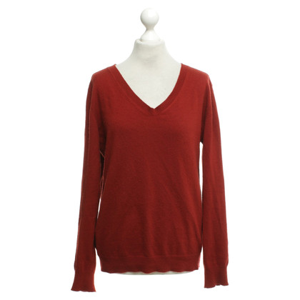 Closed Sweater in red