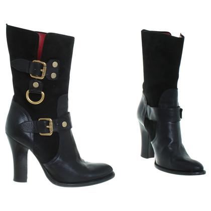 Cesare Paciotti Ankle boots in black