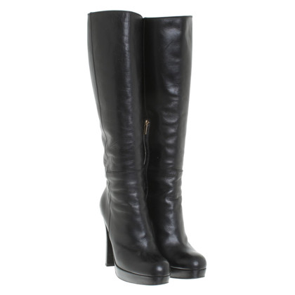 Yves Saint Laurent Boots in zwart