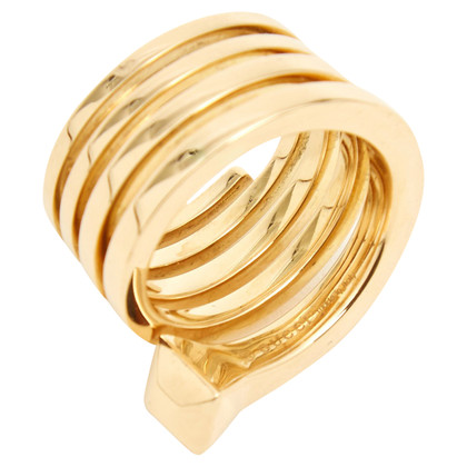 "Gucci ""Chiodo ring"" made of yellow gold"