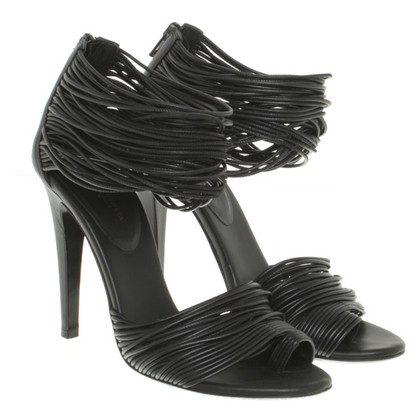 Bottega Veneta Peeptoes in Schwarz