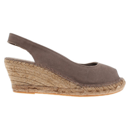 Fred de la Bretoniere Sandals in taupe