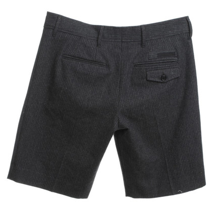 Prada Shorts in Grau