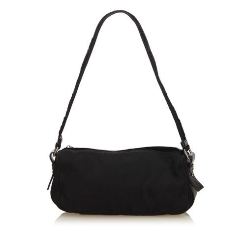 Yves Saint Laurent Shoulder bag in black - Second Hand Yves Saint ... 11c92428a755c