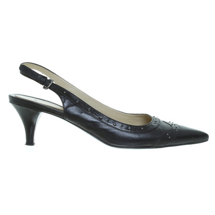 Hugo Boss pumps met klinknagels