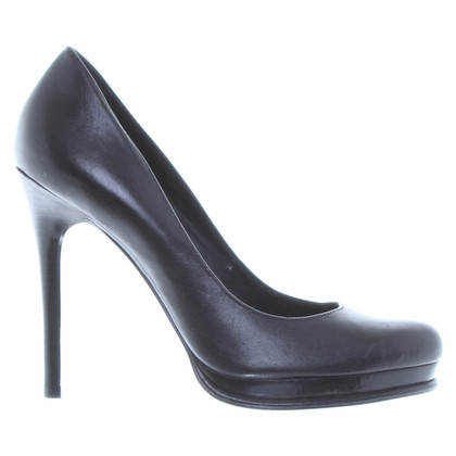 Diane von Furstenberg pumps in black