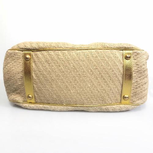 b6c3b2cf759904 Prada Handbag in beige / gold - Second Hand Prada Handbag in beige ...