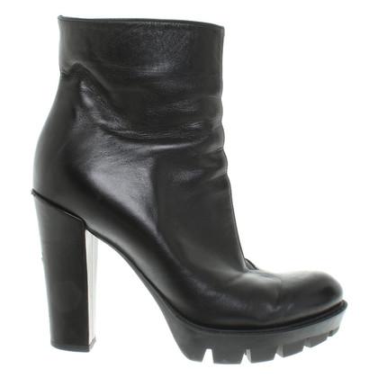 Dorothee Schumacher Boots in Black