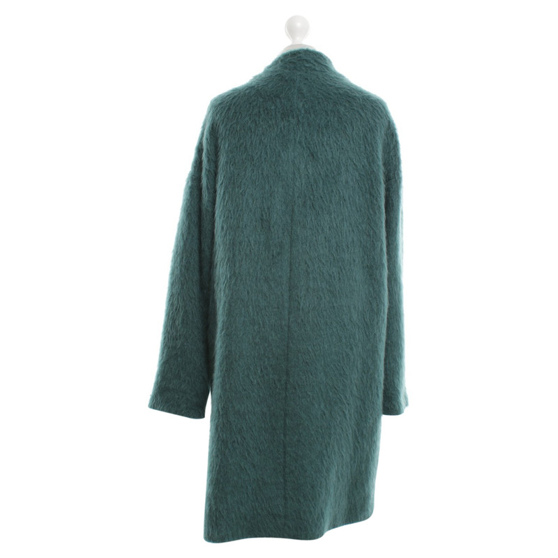 Oversized mantel grun