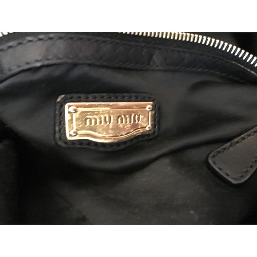 Miu Miu Handbag in black - Second Hand Miu Miu Handbag in black buy ... c03c9dedecaf0