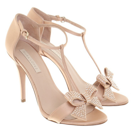 Pura Lopez High Heels in Nude