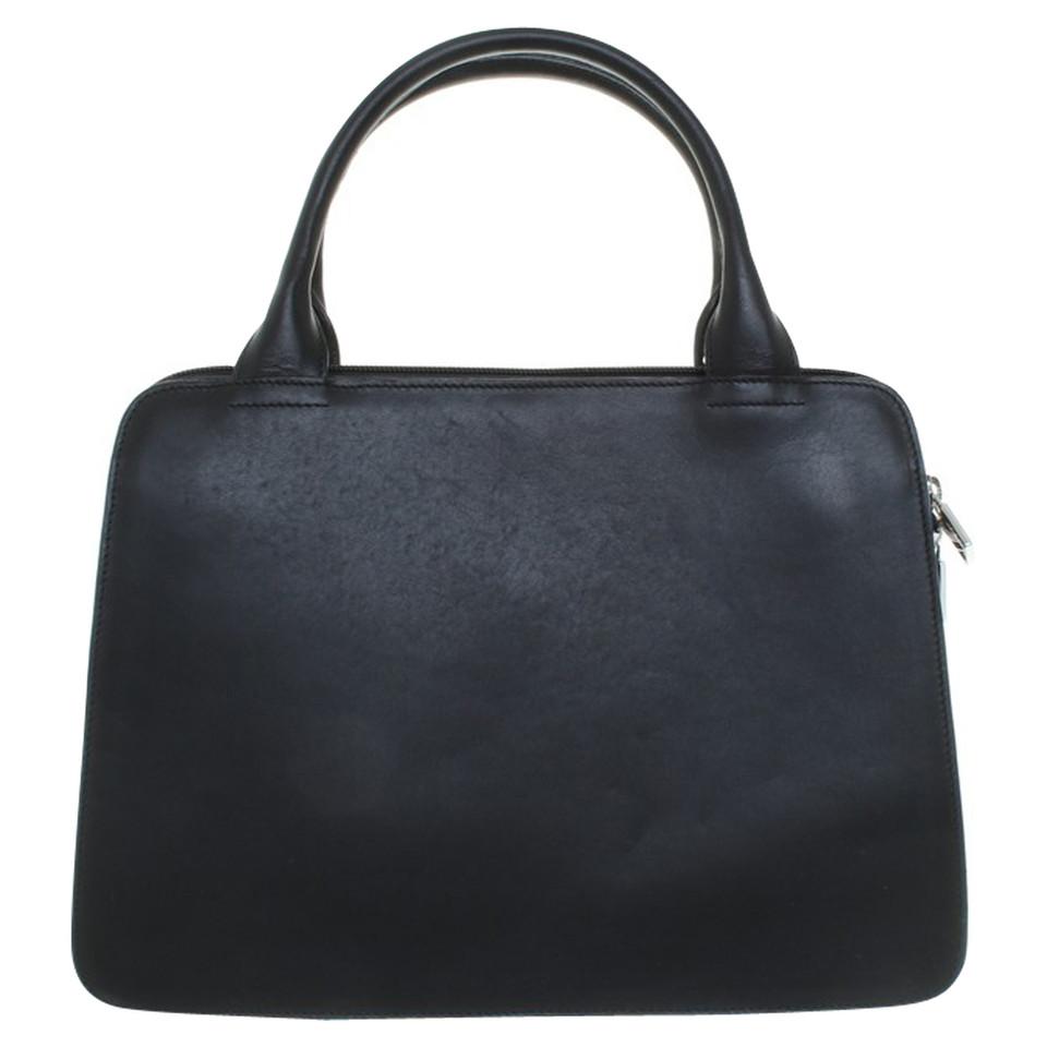 furla handtasche in schwarz second hand furla handtasche in schwarz gebraucht kaufen f r 175. Black Bedroom Furniture Sets. Home Design Ideas