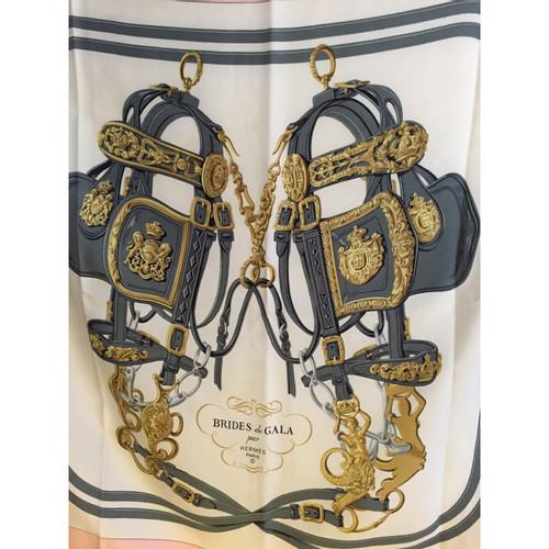 80be15deeed Hermès Foulard en soie