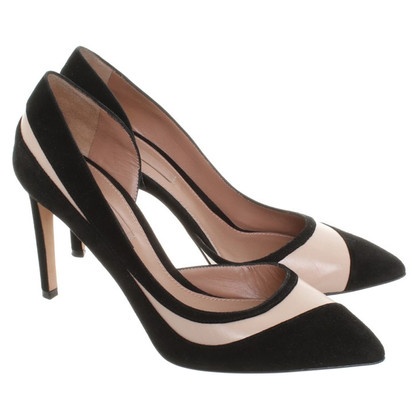 Hugo Boss pumps with cut outs