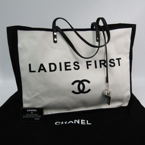 ac7fe4a2041b Chanel